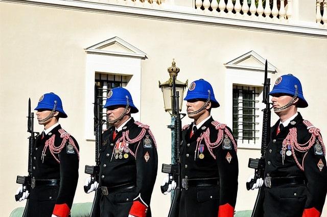חיילי משמר הארמון במדי חורף