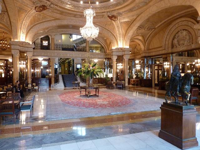 לובי אוטל דה פארי Hôtel de Paris