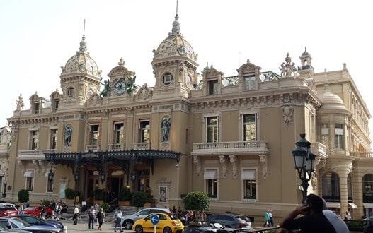 בית האופרה של מונקו - מבט מבחוץ