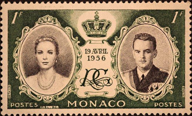הבול שהונפק במונקו לרגל נישואיהם של גרייס קלי ונסיך מונקו רנייה ה-3