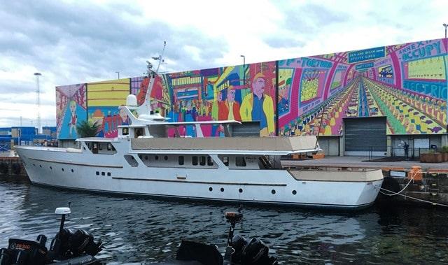 יצירת אמנות בנמל הרקולס