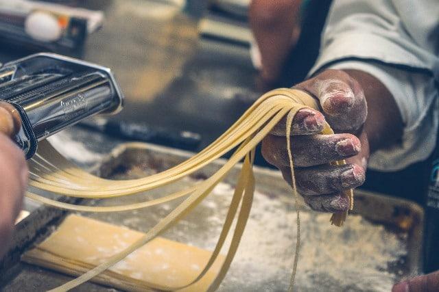 שיעור הכנת פסטה במונקו