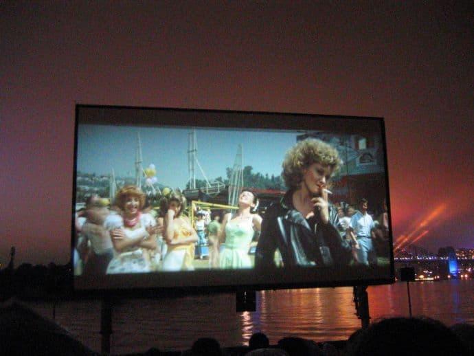 """הקרנת הסרט """"גריז"""" בקולנוע הפתוח במונקו"""