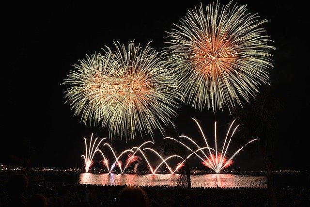 זיקוקים בערב יום העצמאות של מונקו
